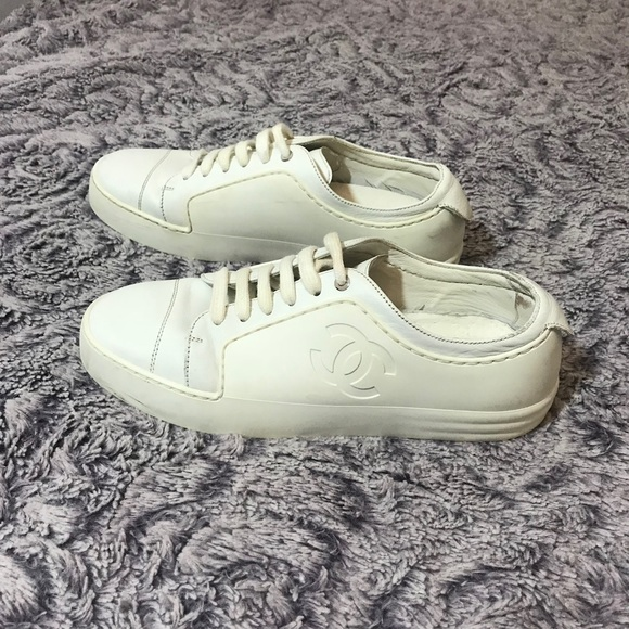 999caba0a392c CHANEL Shoes - CHANEL White Leather Low Top CC Logo Sneakers 36.5